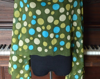 large dots green scarf