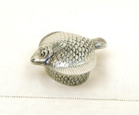 Small Vintage Mid Century FlatFish Shaped Lustreware Porcelain Bone China Lidded Box, French 1950s  Porcelain de Paris Ceramic Fish Terrine