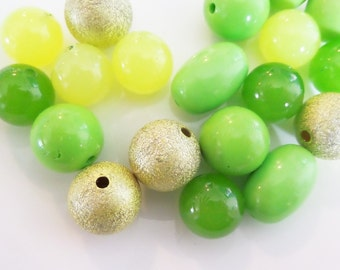 20CT. Bead Collection, 18mm beads and larger, Q19