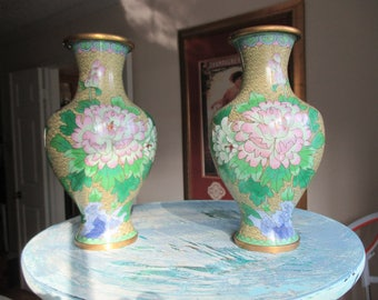 Fabulous SET of  Vintage  Cloisonne' Vases, with Beautiful Coloring and Excellent Condition. Relaxing Peaceful Zen.