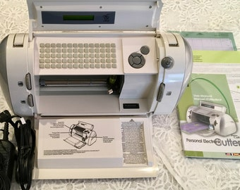 Cricut Personal Electronic Cutter CRV001 ~ BRAND NEW CONDITION ~ Free Shipping