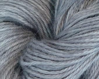 Hand Dyed Alpaka-Garn in Silber - Finger Wt - 250 yds