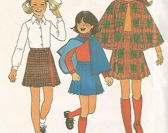 7743 Simplicity Sewing Pattern Girls Lined Cape & Pleated Skirt Size 14 Vintage 1970s