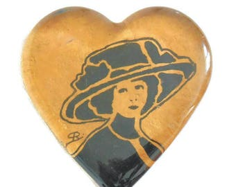 Press paper heart glass - painting on glass - 1900 women