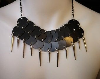 Military spiky necklace