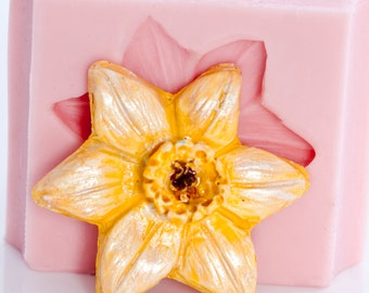 Daffodil Silicone Cabochon Mold for Jewelry, Crafts, Scrapbooking use with Polymer Clay, Wax, Soap, Epoxy Resin and More (511)