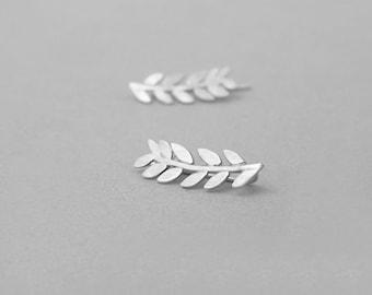 Sterling silver ear climbers, leaves ear crawlers, ear cuffs, laurel pin stud earrings, twig climbers, ear sweeps / grimpeur d'oreille