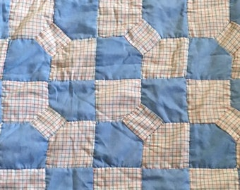 Vintage Bowknot Quilt; Red, White, and Blue