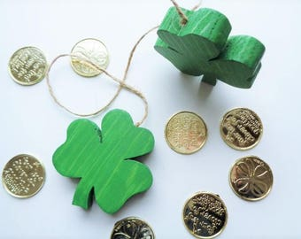 Wood Shamrocks St. Patrick's Day Home Decor Green Clovers Hanging Decoration Luck of the Irish Saint Patrick Ireland