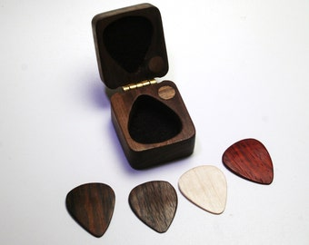 handcrafted guitar pick storage box and wooden guitar pick. Black Bedroom Furniture Sets. Home Design Ideas