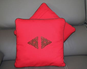 Celtic embroidered Trinity customized to your color cushion 40 x 40 cm