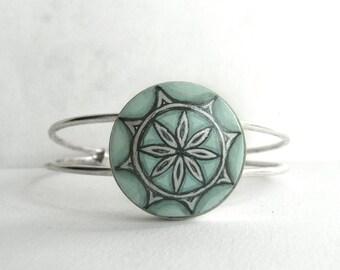Trendy Jade Green Bezel Bracelet, Charm Bracelet, Hand Painted Bracelet, Cuff  Bracelet, Modern Flower, Miniature Painting