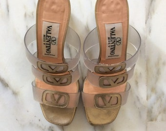 VALENTINO vintage sandals with heel. Golden Skin. Nr 37