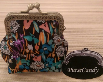 FUNKY FLORAL - Colourful, floral coin purse