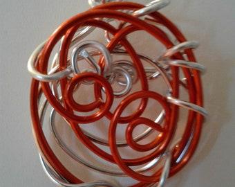 Freeform wire pendant