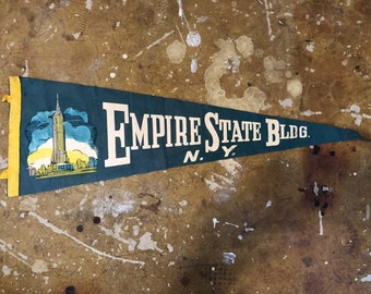 Vintage Empire State Building N.Y. 1950s Pennant,  Good Condition