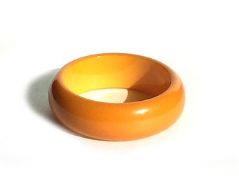 Vintage Bakelite Bangle Chunky Butterscotch