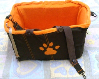 Bag or bed for walking and travel, for small  pets