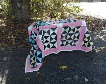 Vintage Quilt Handmade Pieced Quilt Antique Quilt 68 x 82 Bedspread Throw Primitive Bedding Prairie Farmhouse French Country
