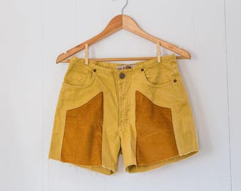 Upcycled vintage women's shorts / italian / high waist / mustard yellow / size 42 euro