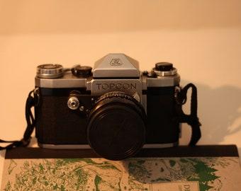 Tokyo Kogaku Topcon R Film Camera