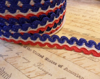 Patriotic Red White and Blue Scalloped Trim 5/8 wide