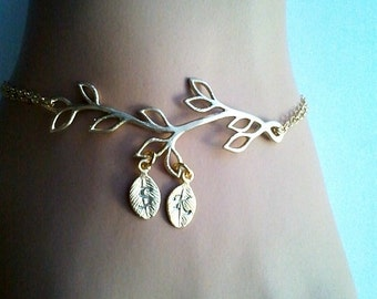 SALE! Family Tree Bracelet, Gold Grandma Bracelet, Gold Tree , Mommy Bracelet Mother's Bracelet , Kid's Initials, Mom and Baby