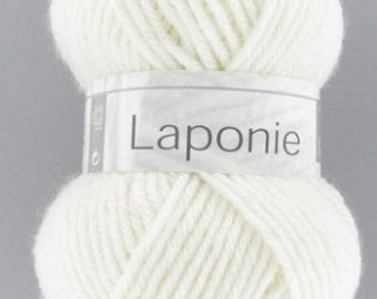 Chunky yarn and no. 011 white horse LAPLAND white yarn