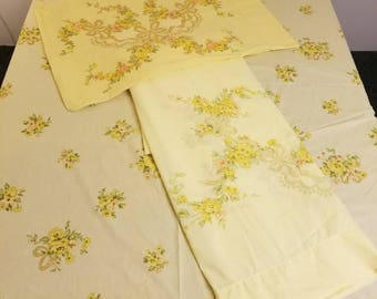 Vintage Jcpennys sheet set double full bed yellow gold flowers and bows fitted flat 1 pillowcase percale polyester cotton blend 1970s