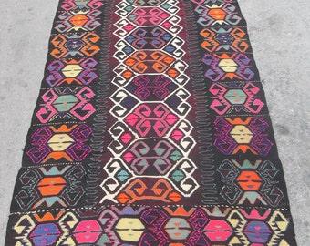 free shipping VINTAGE TURKİSH blackgoats kilim Anatolian handwoven kilim rug decorative kilim - SİZE : 58'' X 114'' ( 145 cm X 285 cm)