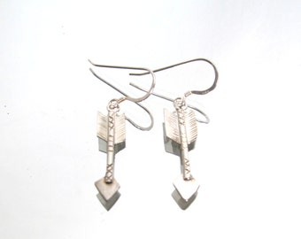 Vintage Navajo Native American southwestern sterling silver arrow earrings,dangle earrings, hanging earrings, arrow jewellery 1.98g