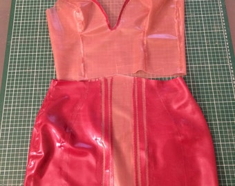 Set top and skirt red and transparent LaTeX