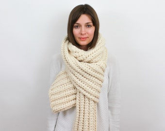 Giant Chunky Knit Scarf, Wool Blend | THE JUNEAU in Snow
