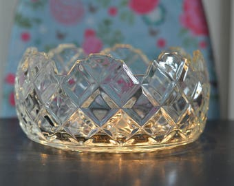 Gorgeous Vintage Pressed Clear Glass Fruit / Punch Bowl (A8c)