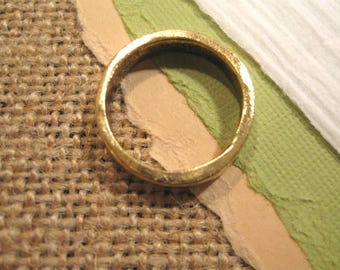 Hammered Stacking Ring in Antique Gold from Nunn Design in Size 8