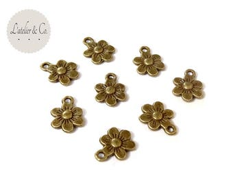 20 charms 13x10mm brass Daisy flower / nature-11