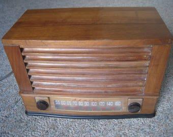 Admiral 6T04-5B1 wooden Radio 1946