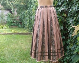 Pretty Cotton Skirt Vintage / Size EUR38 / UK10 / Full Skirt