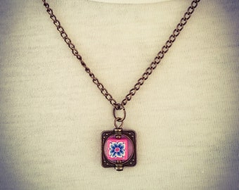 Fuschia Pink and Blue Retro Flower Bronze Pendant Necklace [N3]