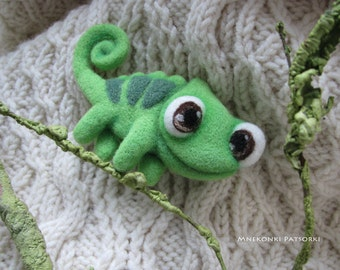 Chameleon Pascal Handmade Felt Brooch Made to Order Needle Felting Wool Jewelry Needle Felted Brooch Chameleon Felted Cutest Gift Handmade