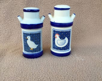 Vintage Country Kitchen Salt and Pepper Shakers -Rare-,Collectors Item