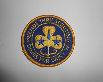"""Vintage 70s Girl Scouts Dimes For Daisy 1976 Friends Thru Scouting Patch 3"""""""