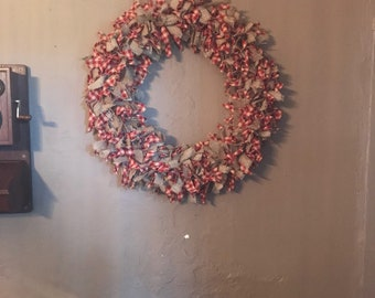 Red and beige homespun ragged wreath