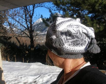 Fancy grey and white jacquard Beanie