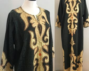 Vintage Boho Caftan. Beautiful Embroidered Hippie Caftan. Ethnic Embroidered Lounge Dress. Moroccan Style Embroidered Maxi Dress.