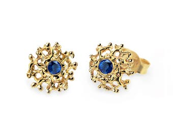 CORAL Gold Earrings Posts Medium, Sapphire Posts, Gold Sapphire Earrings, Blue Sapphire Stud Earrings, Gold Stud Earrings, Organic Earrings