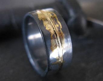 Mens Wedding Ring 8mm Rustic Mens Wedding Band Unique Wedding Band Viking Wedding Ring Bimetal Ring Unique Mens Wedding Band Black Gold Ring