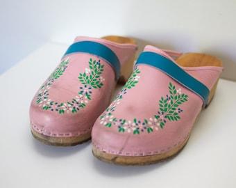 1960s Pink Floral Platform Clog Mules Size 6