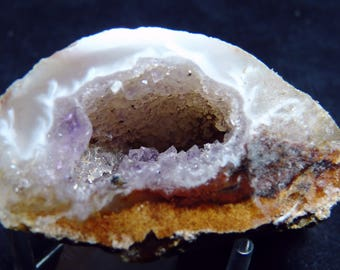 occo / ocho geode with some amyethyst coloring from Brazil