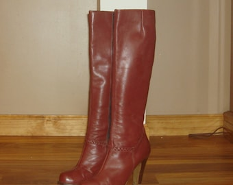 "Vintage Town & Country Tall Burgundy Leather 4"" Heel Knee High Boots~7~"